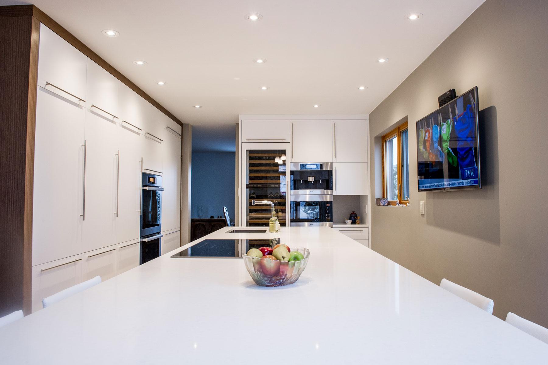 armoires acrylique kalla cuisine design. Black Bedroom Furniture Sets. Home Design Ideas